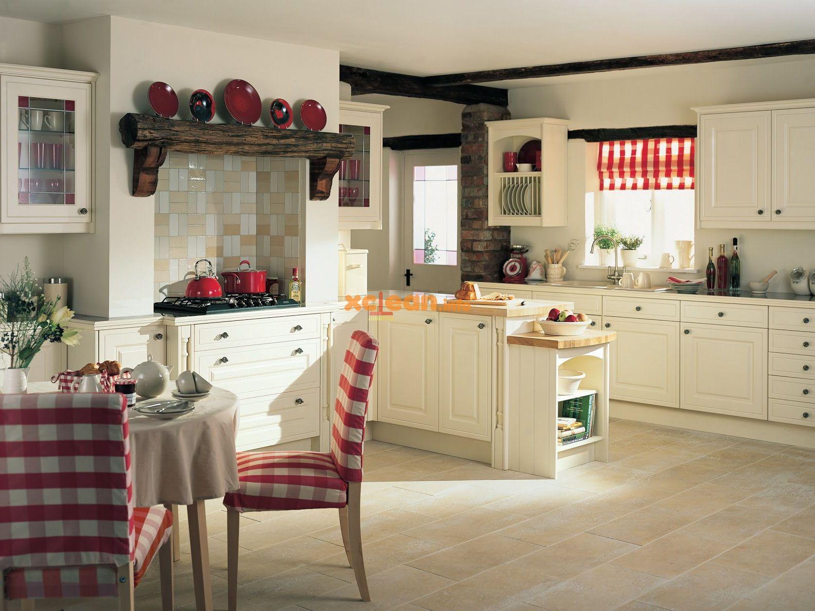 красивая светлая кухня
